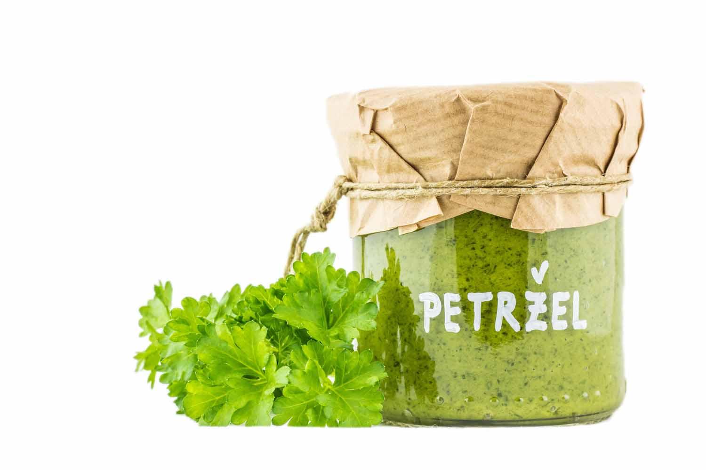čerstvé bylinkové petrželové pesto herbiana česnek sůl olej bez alergenů do těstovin na pečivo pod maso